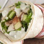 Wrap de pollo con ensalada de yogurt y pepino